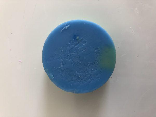 blue and green wax melt